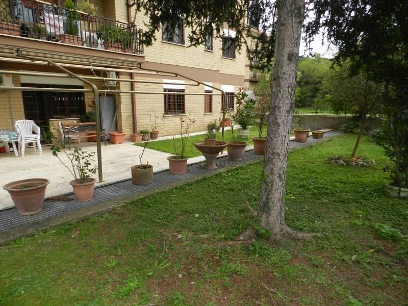 Trilocale in Via Di Scorticabove, San Basilio, Ponte Mammolo, Roma