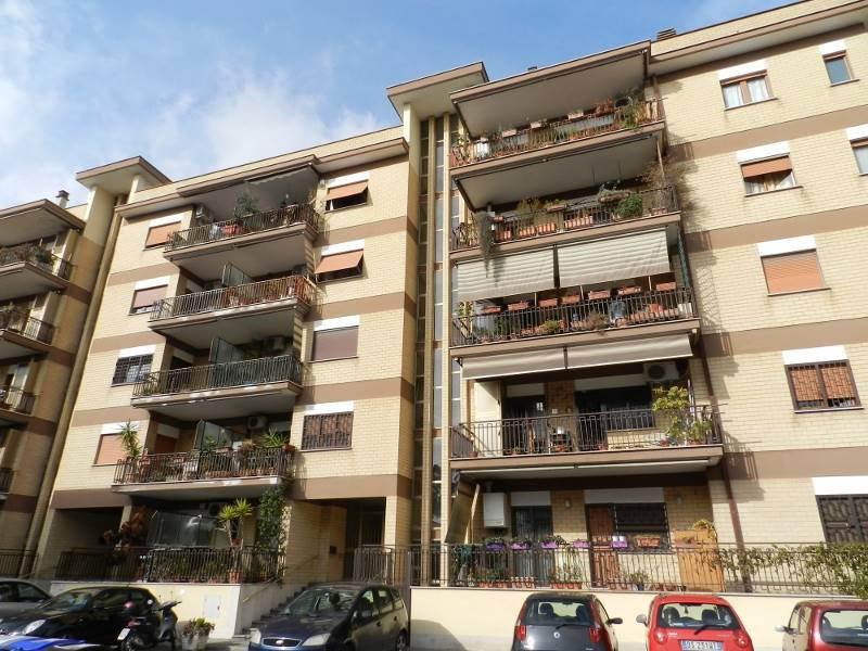 Trilocale in Via Scorticabove, San Basilio, Ponte Mammolo, Roma