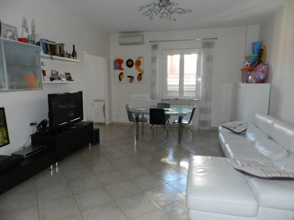 Appartamento in vendita a Roma, 2 locali, zona Zona: 37 . Morena - Ciampino - Trigoria - Falcognana, prezzo € 189.000 | CambioCasa.it