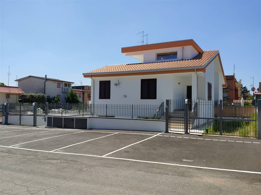 Villino in Via Eugenio Florian, Torvergata,morena,romanina, Roma