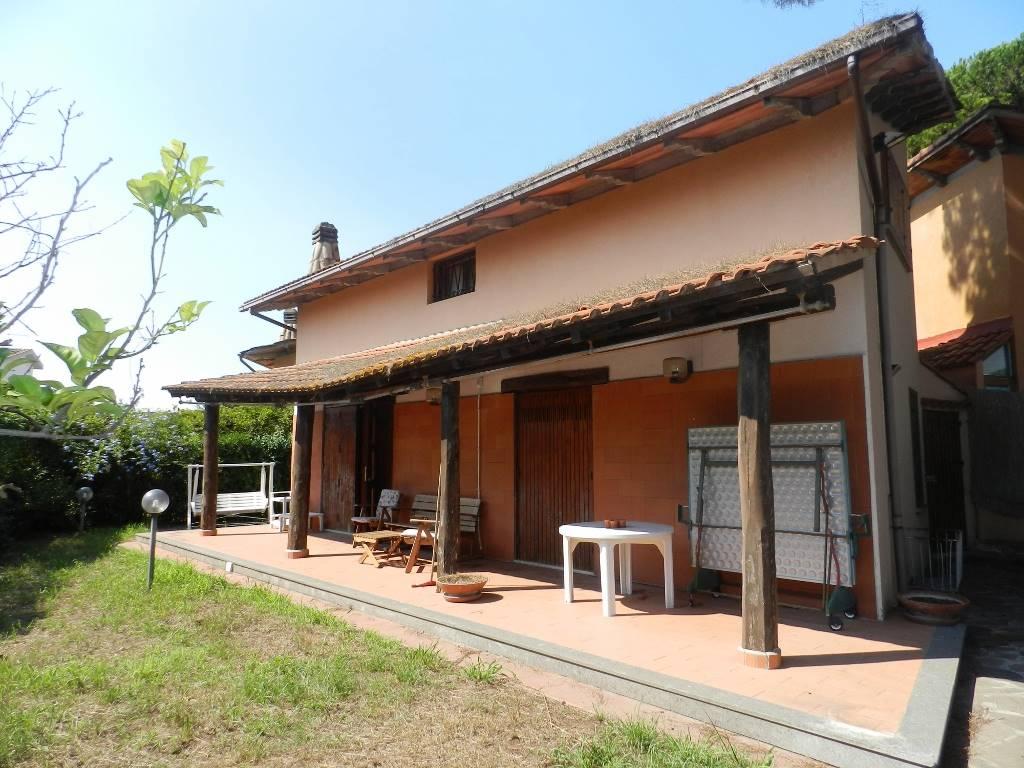 Villino in Via Dei Gerani 15, Lido Dei Pini Di Ardea, Ardea