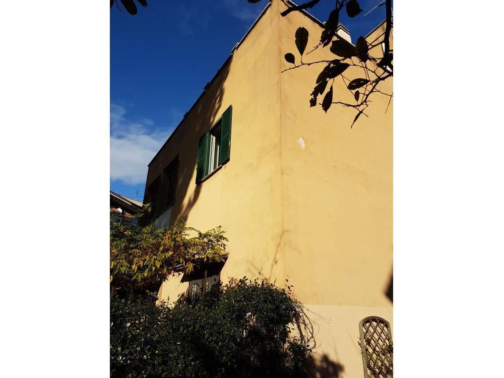 Trilocale in Via Siderno, Roma