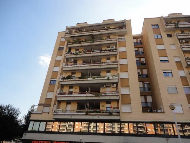 Trilocale in Viale Ciamarra, Tuscolano, Don Bosco, Cinecittà, Roma