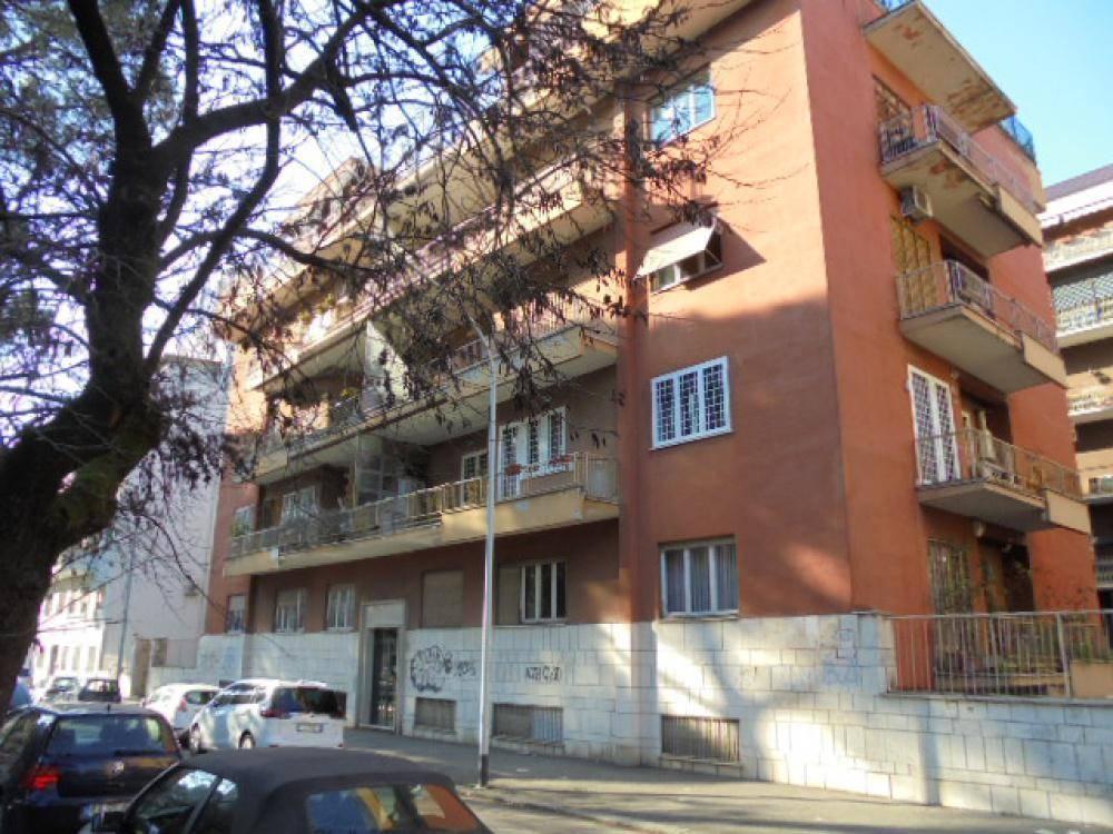 Quadrilocale in Via Giulio Aristide Sartorio, Ardeatino, Colombo, Garbatella, Roma