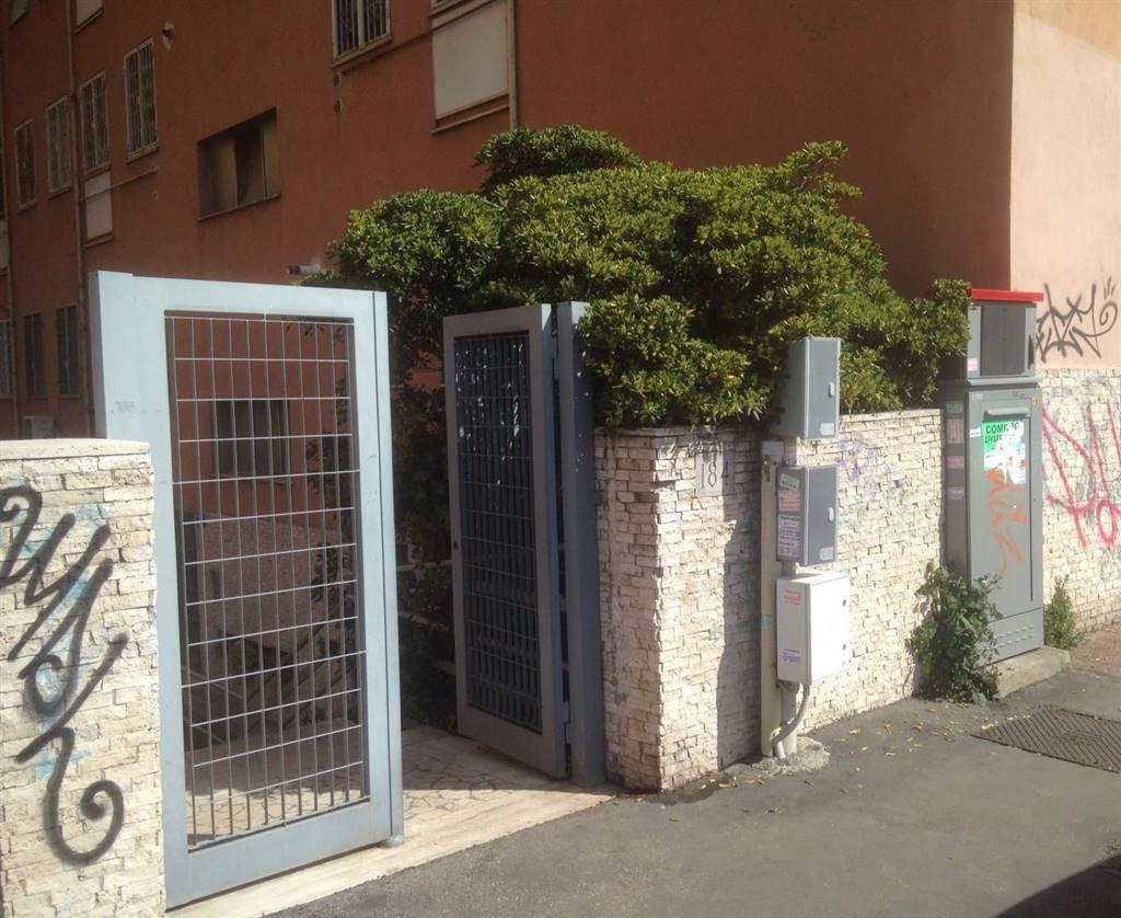 Quadrilocale in Largo Val Santerno, Roma