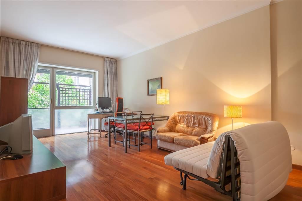 Appartamento in Via Val Di Lanzo, Roma