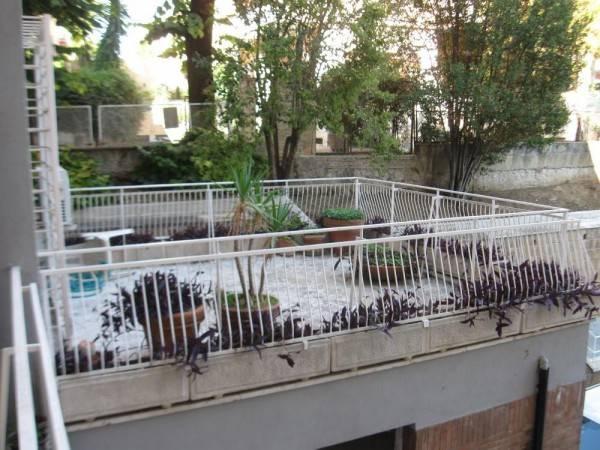 Appartamento in Via Cimone, Roma
