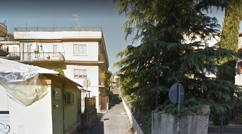 Trilocale in Via Del Labaro, Saxarubra, Labaro, Prima Porta, Roma