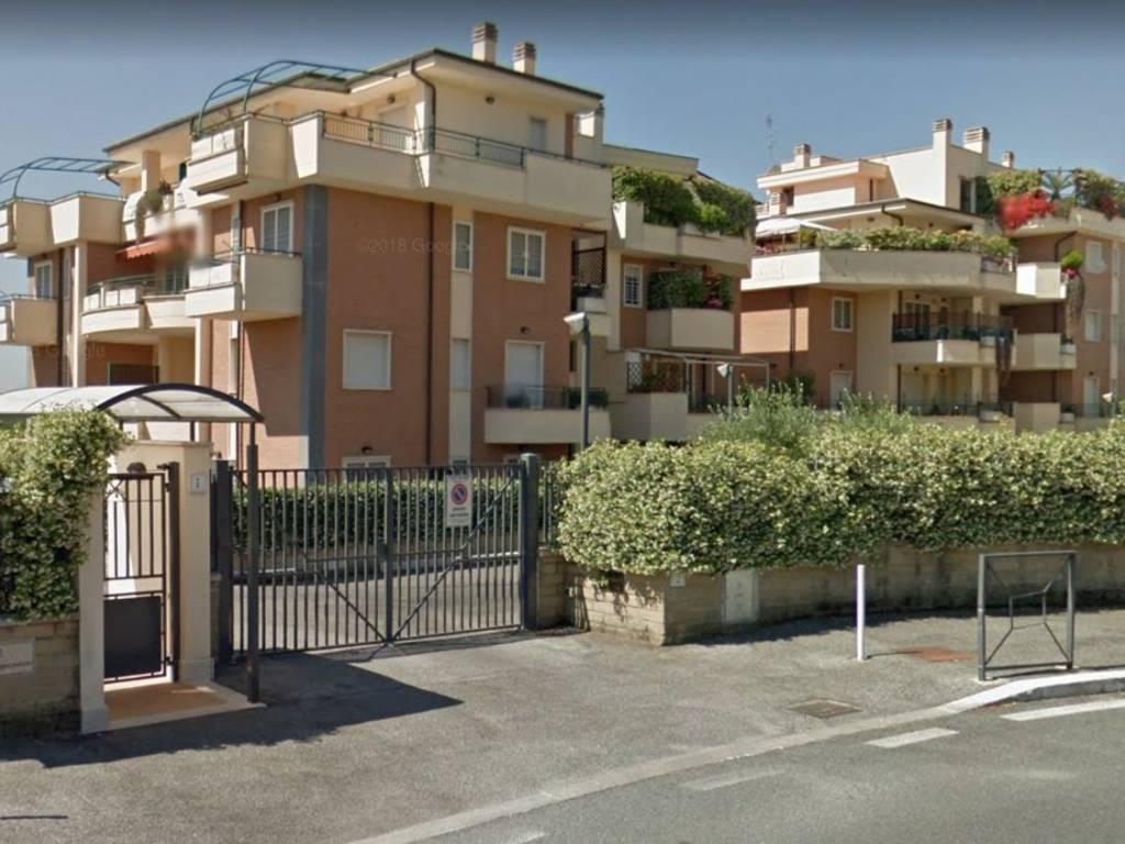 Trilocale in Largo Guido Martina, Roma