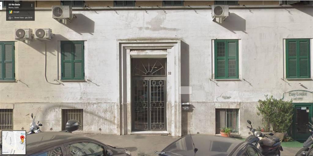 Trilocale in Via Dacia, Roma