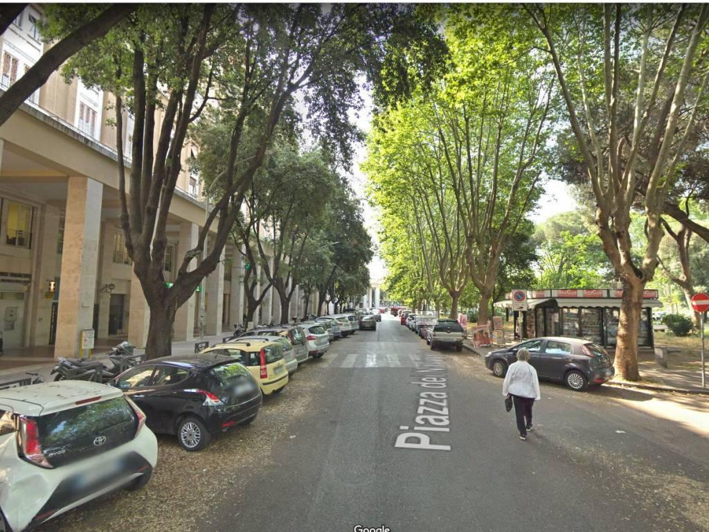 Attività commerciale in Piazza Dei Navigatori, Ardeatino, Colombo, Garbatella, Roma