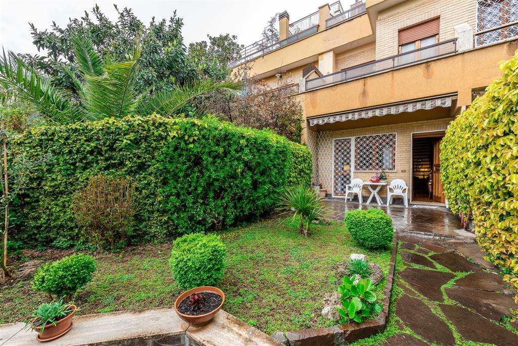 Villa a schiera in Via Leonida Rech, Roma