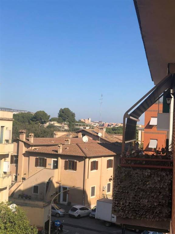Trilocale in Via Giuseppe Lunati, Portuense, Magliana, Roma