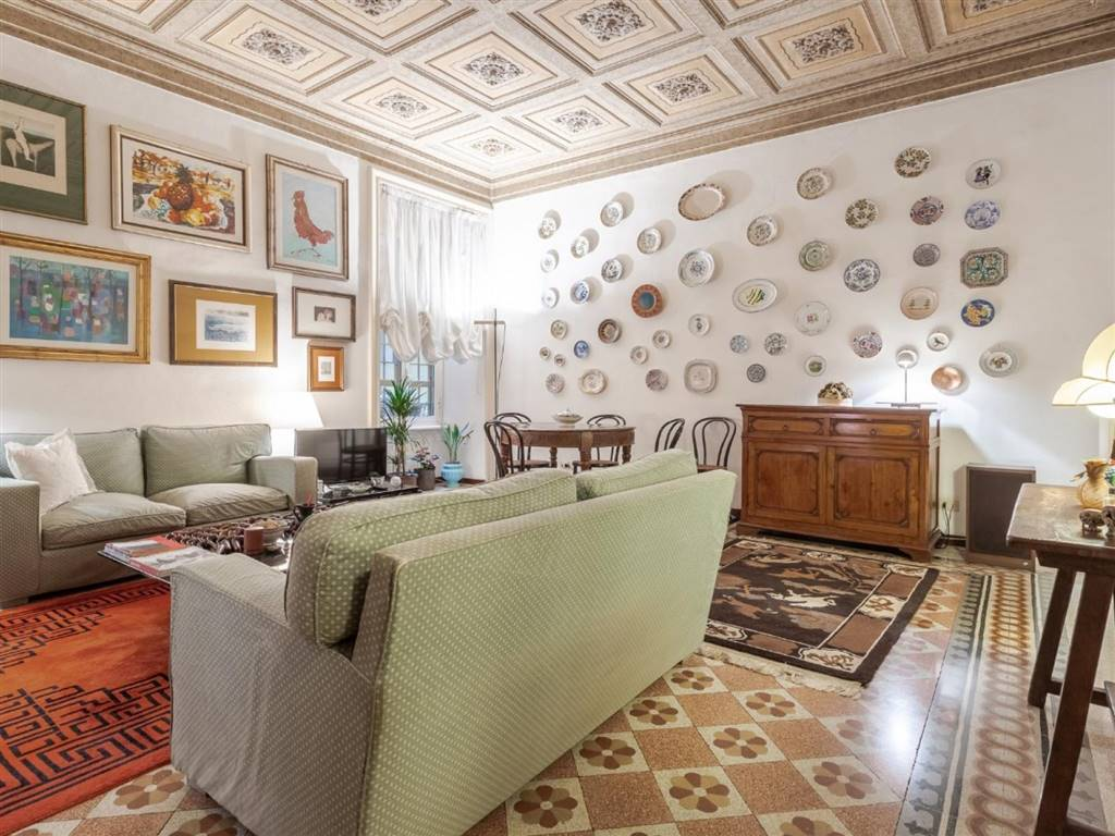 Quadrilocale in Piazza San Cosimato, Trastevere, Aventino, Testaccio, Roma
