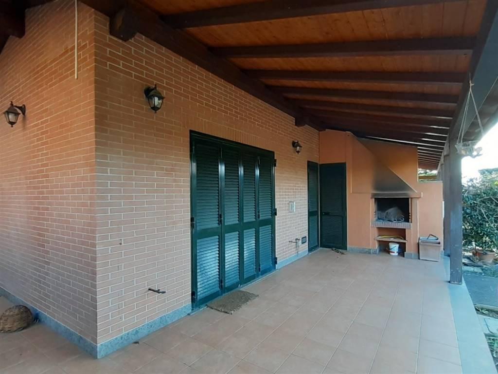 Villa in Via Carl Orff, Infernetto,malafede,madonnetta a Roma, Roma