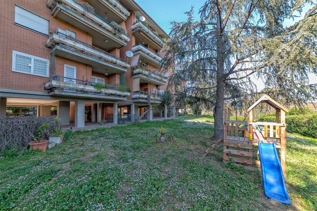 Appartamento in vendita a Roma, 3 locali, zona Zona: 42 . Cassia - Olgiata, prezzo € 239.000   CambioCasa.it