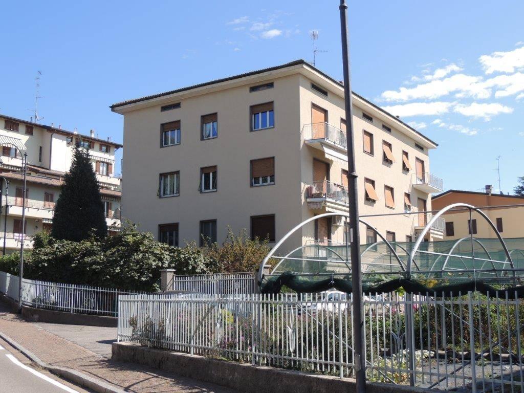 Appartamenti a grandate in vendita e affitto for Affitto arredato faloppio