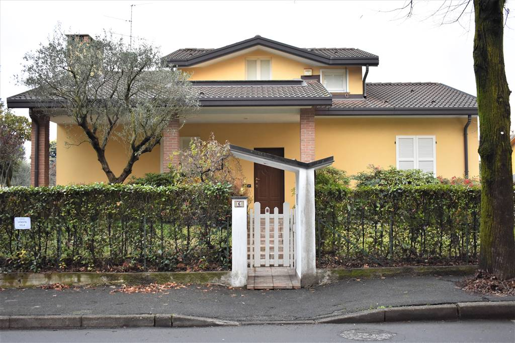 Villa in Via Martin Luther King 8, Carate Brianza