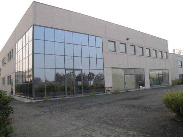 Capannone in vendita a Novi Ligure, 9999 locali, prezzo € 430.000 | PortaleAgenzieImmobiliari.it