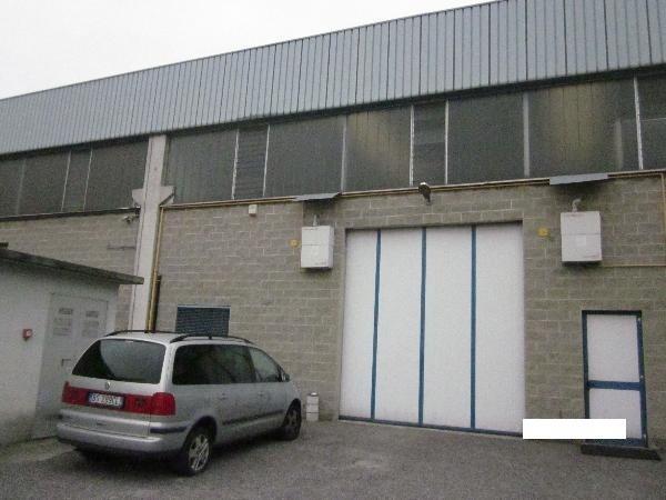 Capannone in vendita a Cassano d'Adda, 9999 locali, Trattative riservate | PortaleAgenzieImmobiliari.it