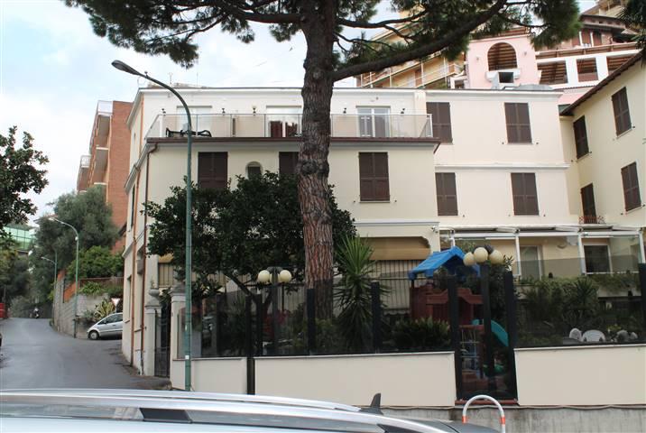 Albergo in vendita a Varazze, 9999 locali, Trattative riservate | CambioCasa.it