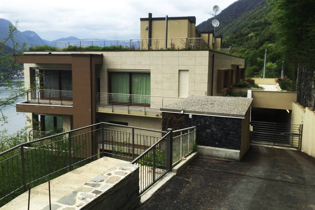 Appartamento in vendita a Faggeto Lario, 4 locali, Trattative riservate   CambioCasa.it