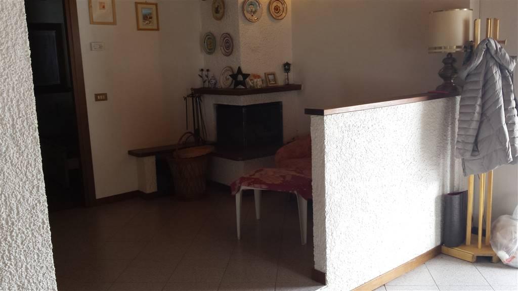 Appartamento in vendita a Castiglione d'Intelvi, 3 locali, prezzo € 95.000 | CambioCasa.it