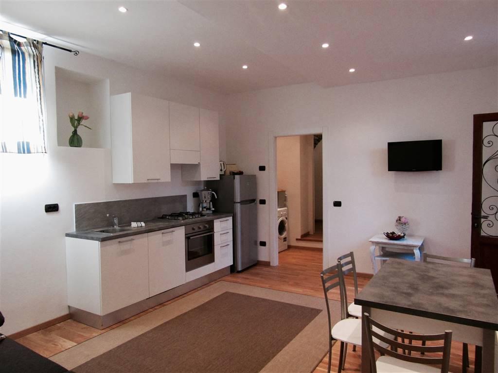 Appartamento in vendita a Moltrasio, 2 locali, Trattative riservate | CambioCasa.it