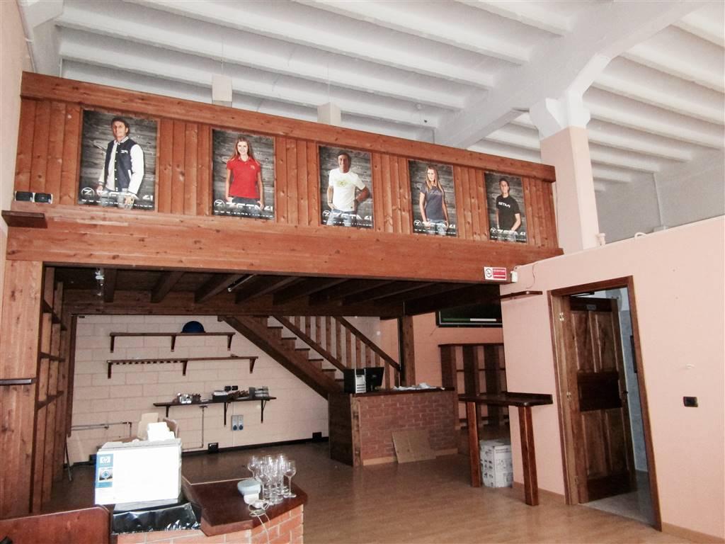 Negozio / Locale in vendita a Cernobbio, 2 locali, prezzo € 240.000   CambioCasa.it