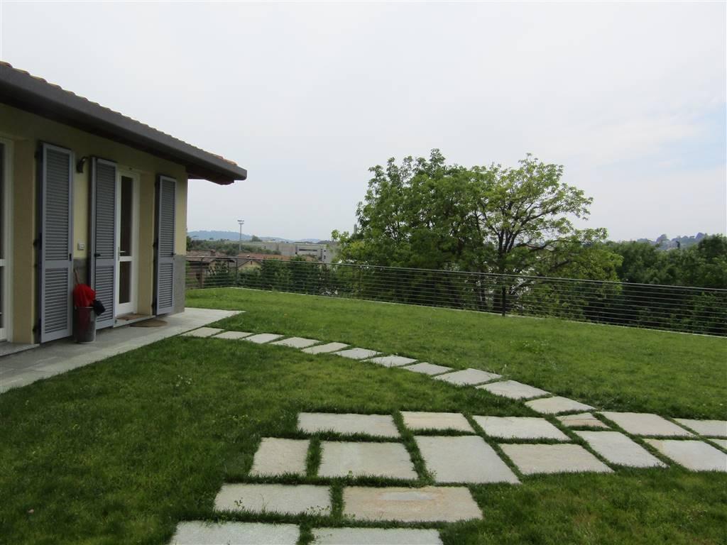Appartamento in affitto a Erba, 1 locali, prezzo € 450 | CambioCasa.it