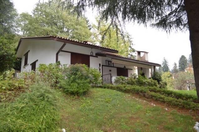 Villa in vendita a Canzo, 4 locali, prezzo € 560.000 | PortaleAgenzieImmobiliari.it