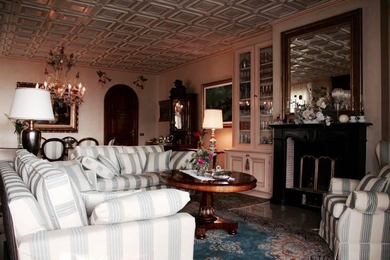 Villa in vendita a Lipomo, 8 locali, Trattative riservate | CambioCasa.it
