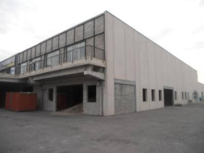 Capannone in vendita a Albese con Cassano, 9999 locali, prezzo € 726.000 | CambioCasa.it