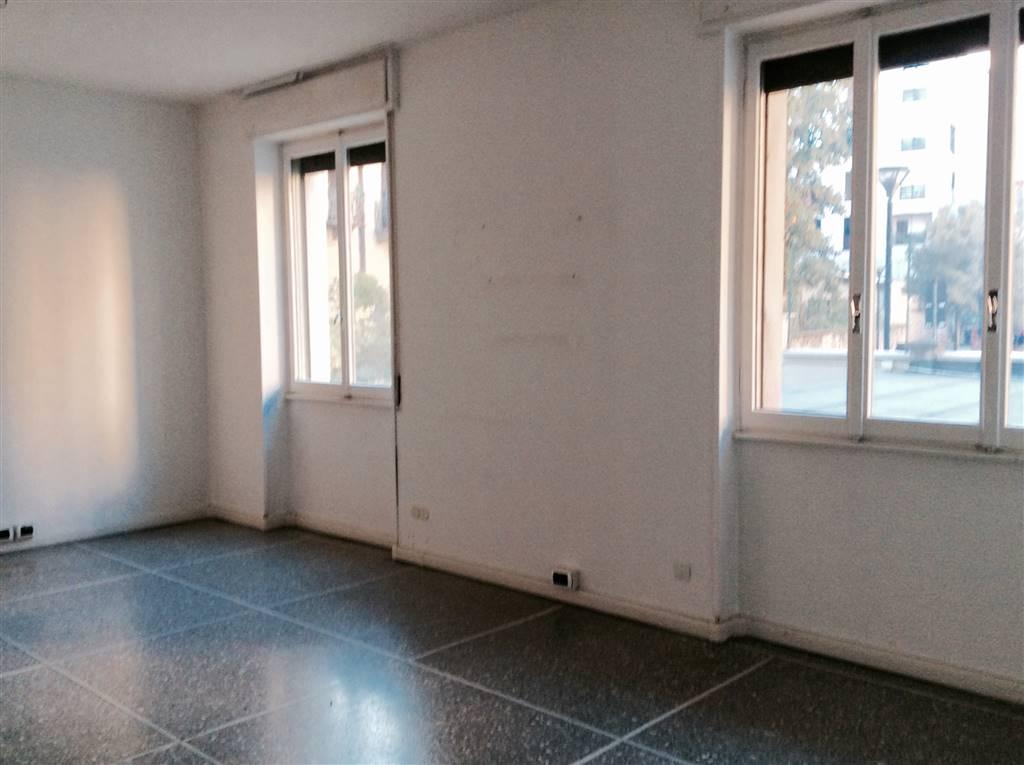 Ufficio / Studio in affitto a Como, 3 locali, zona Località: CITTÀ MURATA/ LUNGOLAGO/ CENTRO, prezzo € 550 | CambioCasa.it