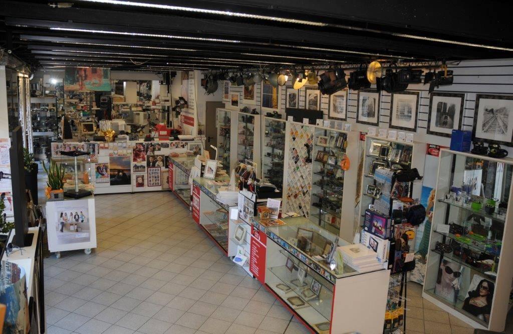 Negozio / Locale in vendita a Albavilla, 5 locali, Trattative riservate | CambioCasa.it