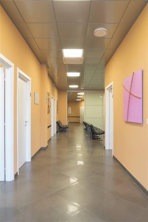 Ufficio / Studio in affitto a Orsenigo, 5 locali, prezzo € 1.170 | CambioCasa.it