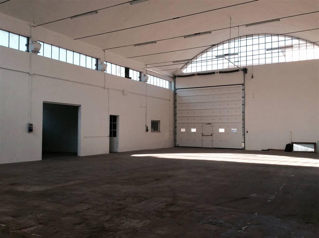 Capannone in affitto a Cantù, 9999 locali, Trattative riservate | PortaleAgenzieImmobiliari.it