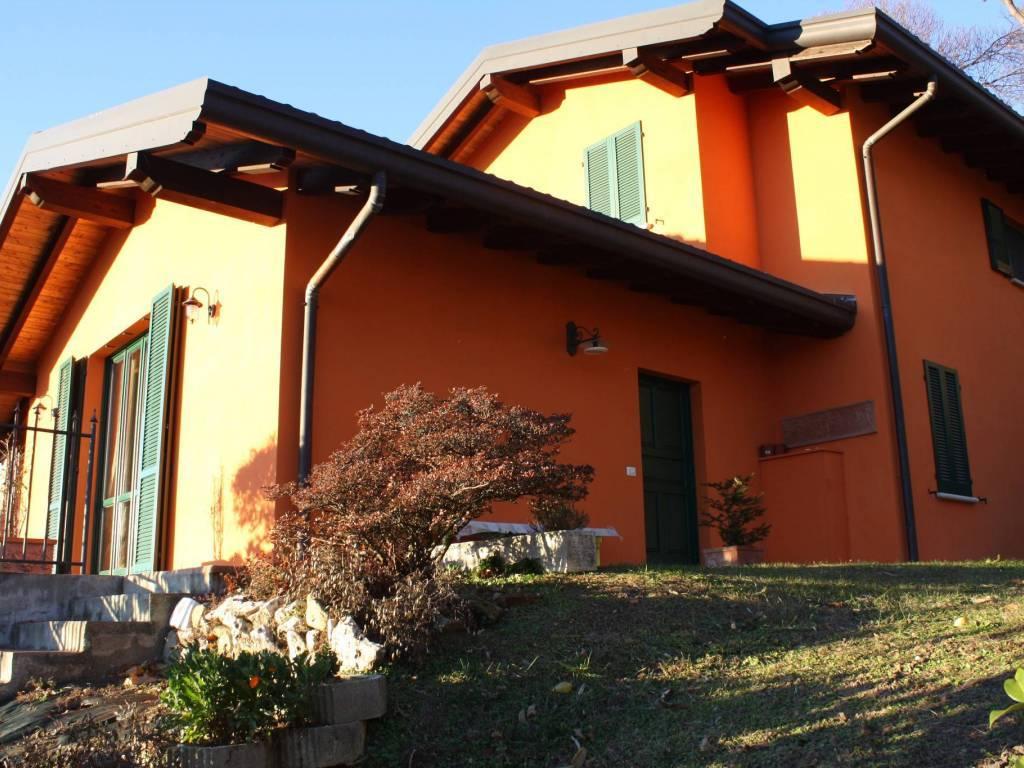 Villa in vendita a Uggiate-Trevano, 5 locali, prezzo € 580.000 | PortaleAgenzieImmobiliari.it
