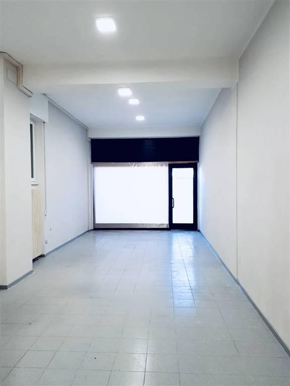 Negozio / Locale in affitto a Montano Lucino, 1 locali, prezzo € 1.100 | PortaleAgenzieImmobiliari.it