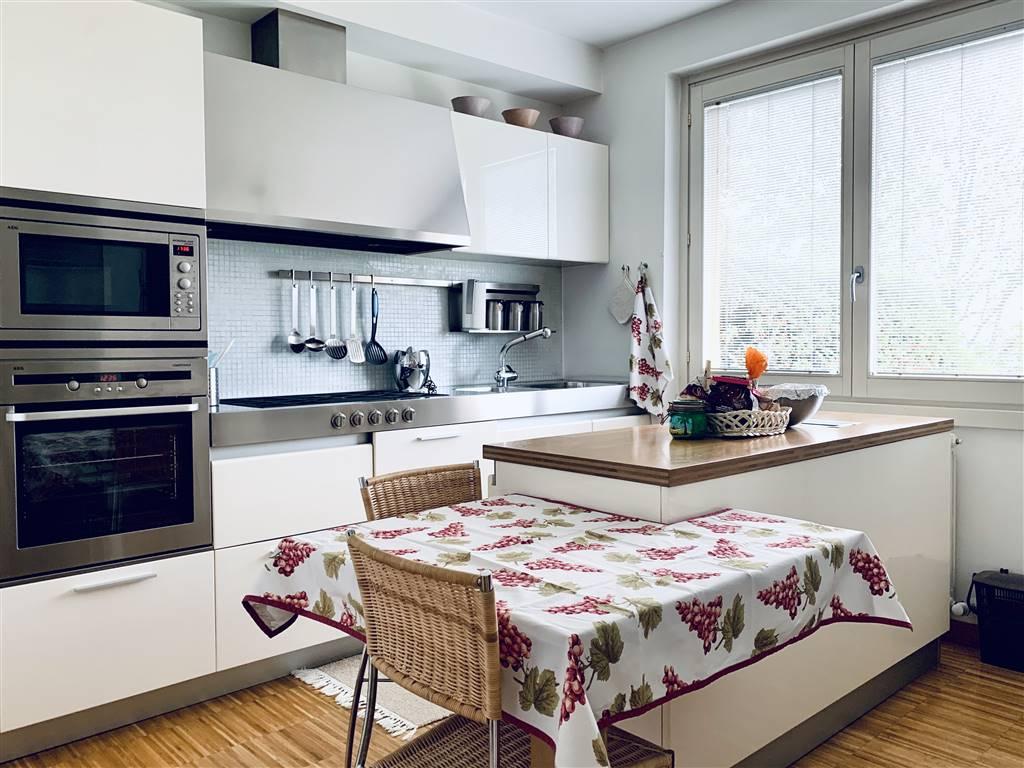 Villa Bifamiliare in vendita a Albavilla, 4 locali, prezzo € 420.000 | CambioCasa.it