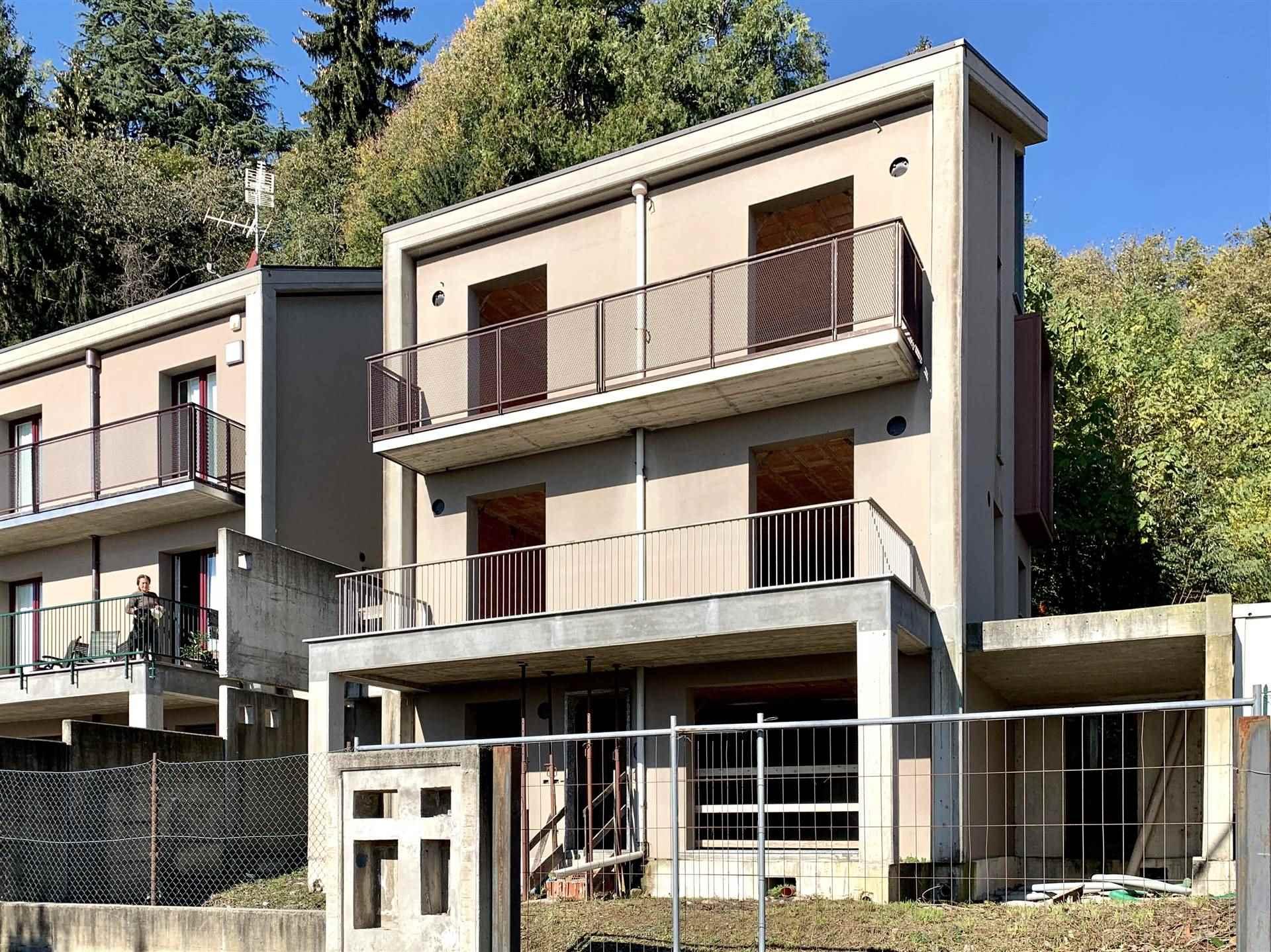 Villa in vendita a Albavilla, 6 locali, prezzo € 250.000 | PortaleAgenzieImmobiliari.it