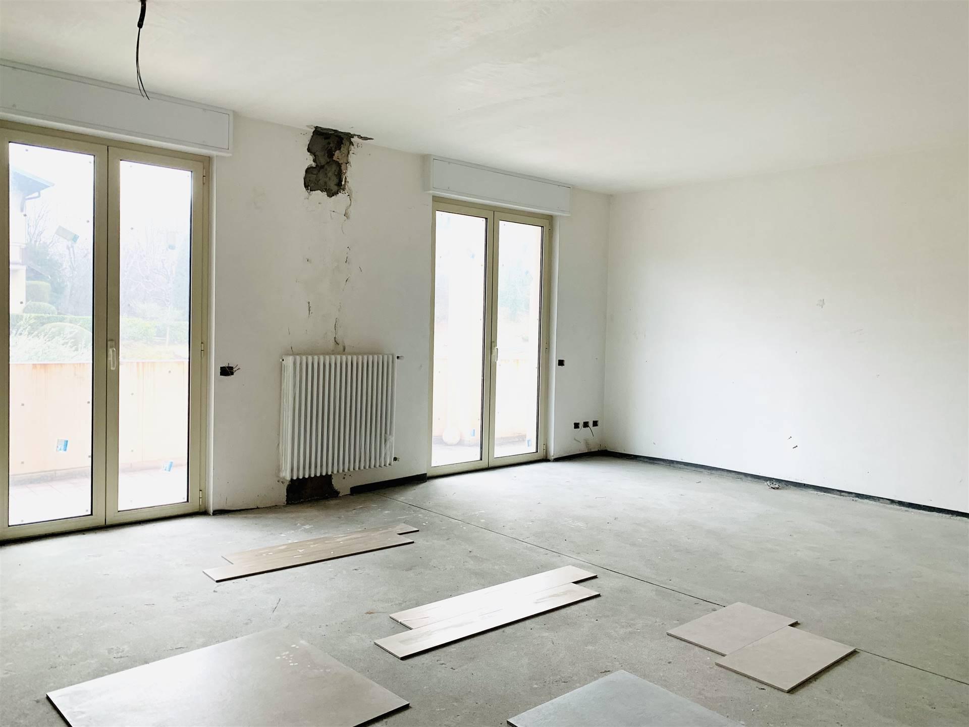 Vendita 5 Locali Appartamento Albese con Cassano 246717