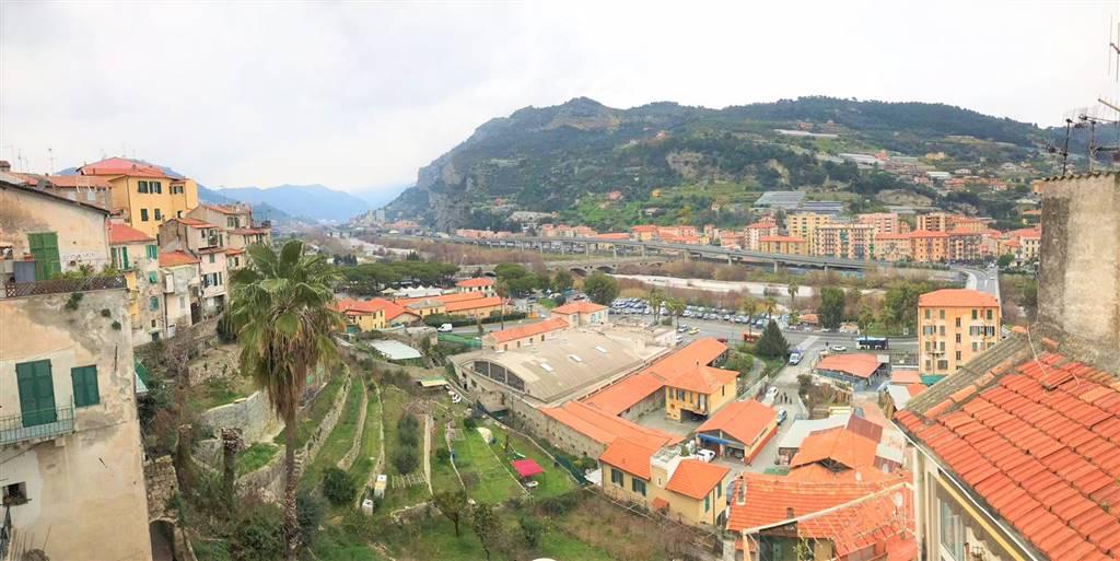 Quadrilocale, Ventimiglia