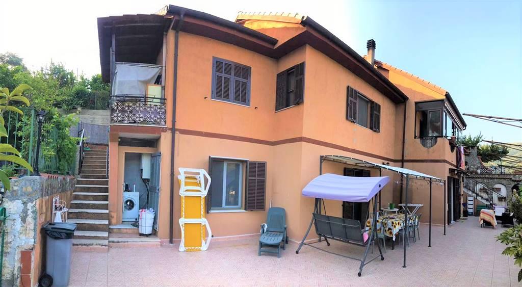 Appartamento indipendente, Dolceacqua, ristrutturato
