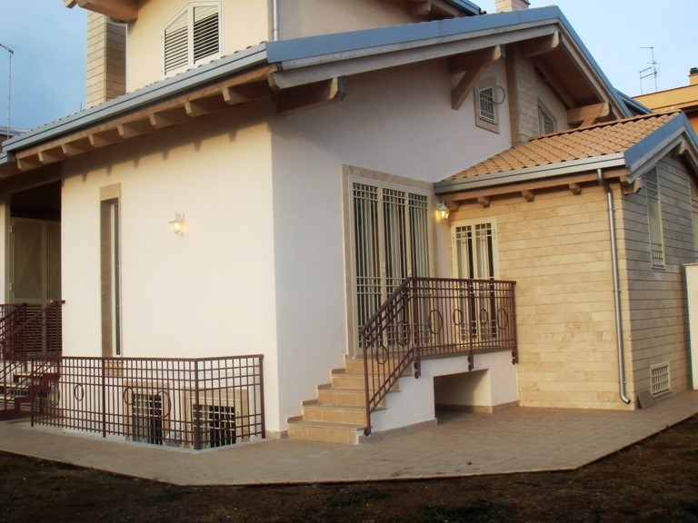 Villa a schiera in Via Subiaco, Marco Simone, Guidonia Montecelio