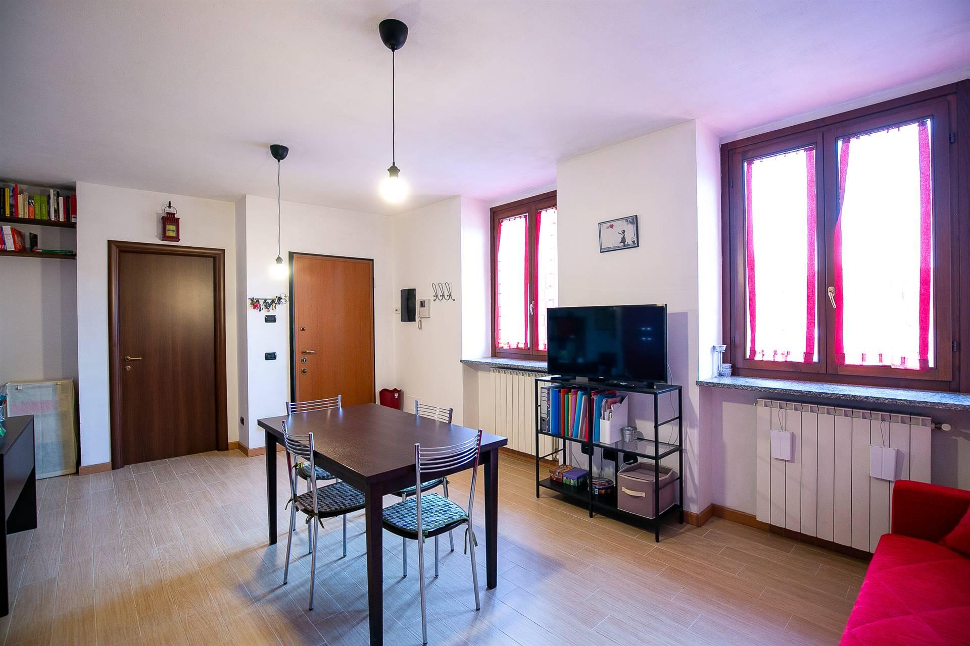 Appartamento in vendita a Caronno Pertusella, 2 locali, prezzo € 88.000 | CambioCasa.it