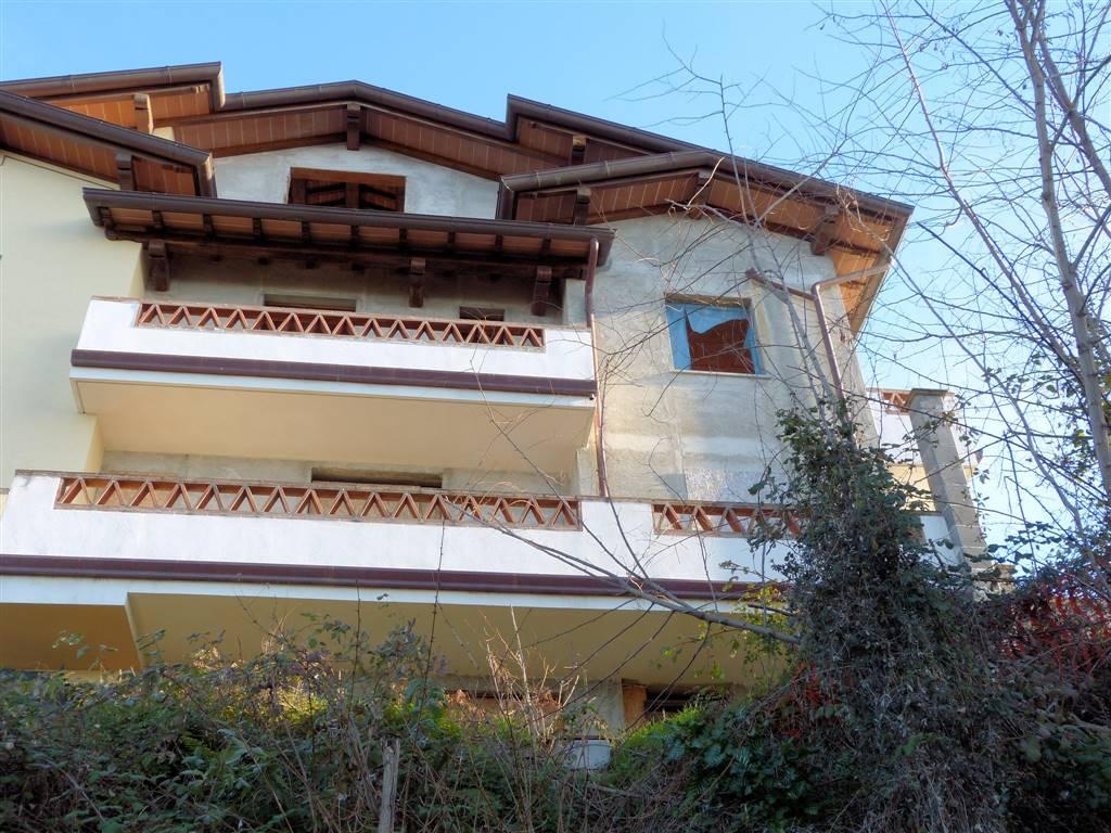 Bifamiliare, Montigiano, Massarosa, in nuova costruzione