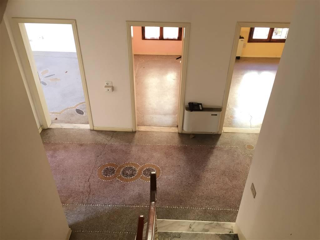Ufficio Casa Lucca : Uffici lucca in vendita e in affitto cerco ufficio lucca e
