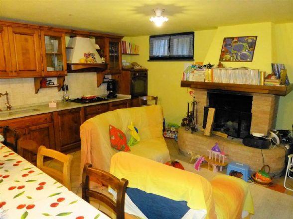 Villa a schiera, Stiava, Massarosa, in ottime condizioni