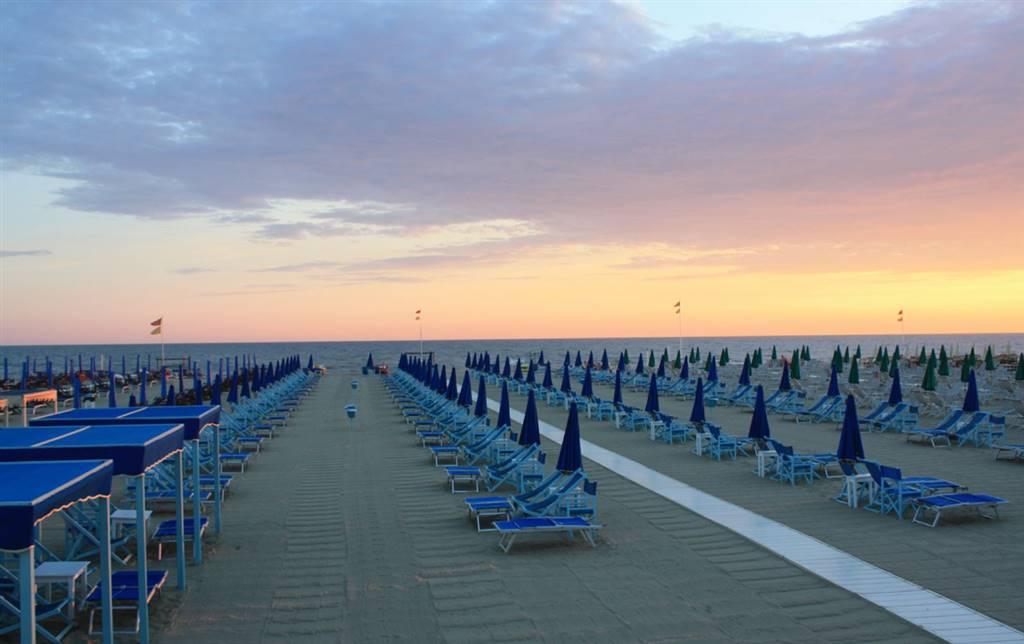 Vendita stabilimenti balneari lucca cerco stabilimento - Bagno riviera marina di pietrasanta ...